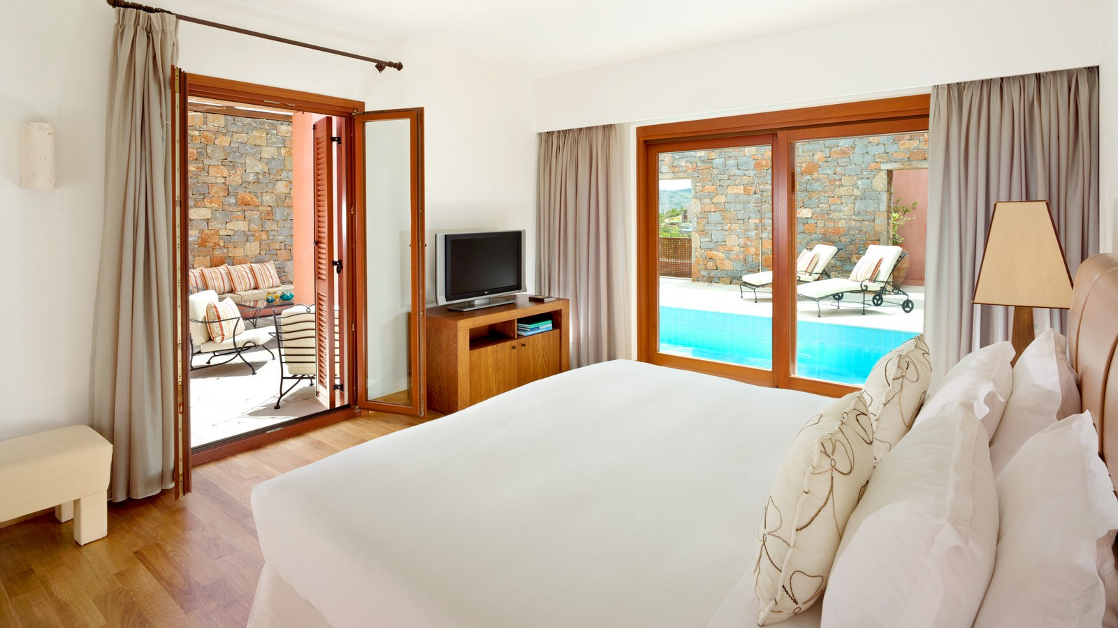 The Grand Villa Master Bedroom